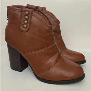 NWOT Studded Boots
